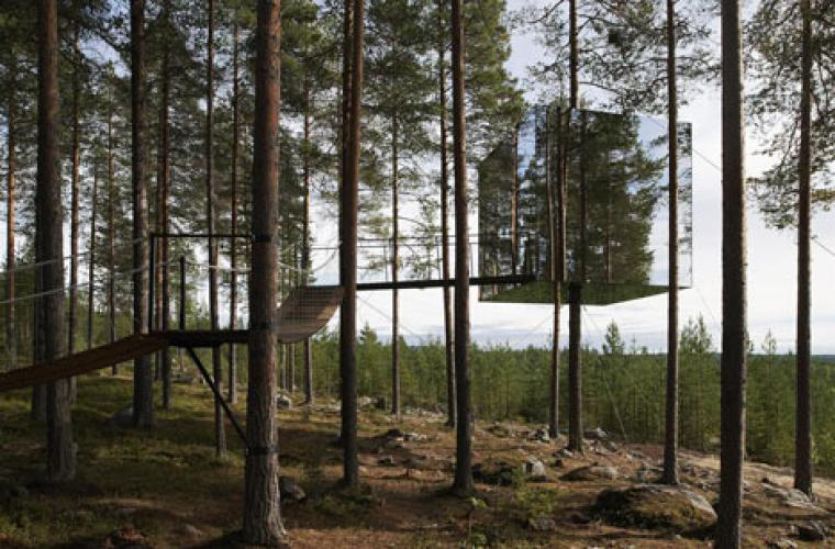 Tree Hotel by Tham and Videgard12