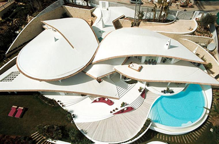 bird house in mallorca with wings and luxury decks 2